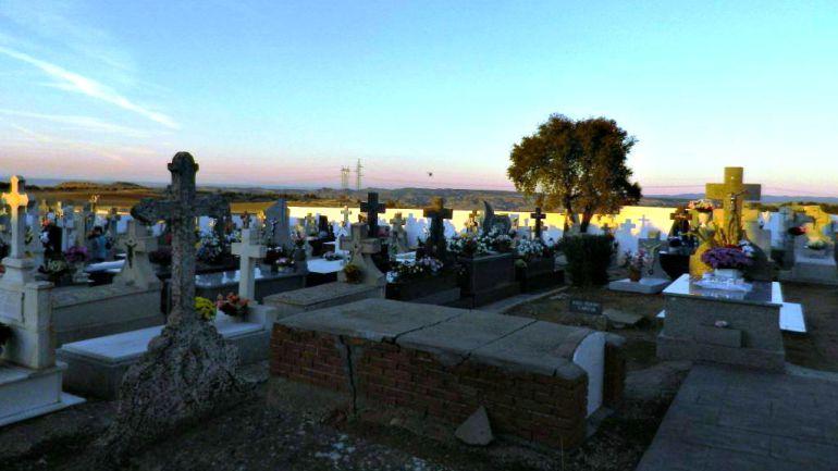 El cementerio también amaneció el día 1 con destrozos en la caseta del guarda