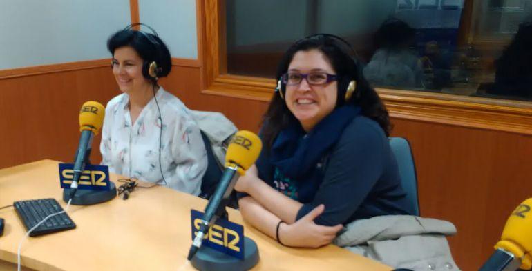Lydia Arnal (izquierda) de la Asociación 'Dame Teta' y Alba Padró (derecha)