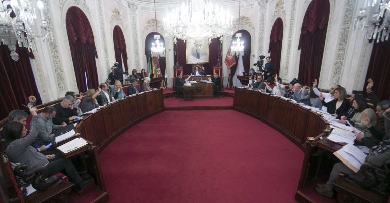 Pleno ordinario del Ayuntamiento de Cádiz