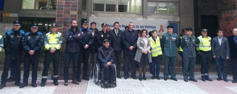 A coru a minuto de silencio por las v ctimas de - Jefatura provincial de trafico madrid ...