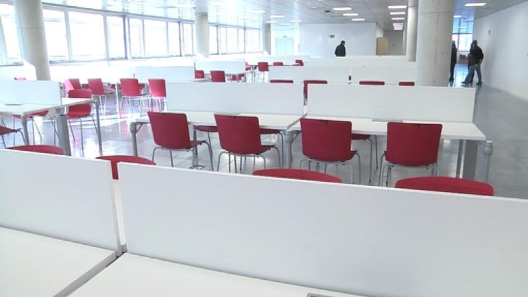 La sala de lectura de la UNED lista para su apertura
