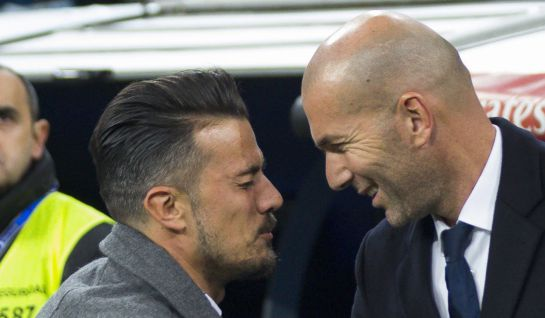 Rubén de la Barrera saluda a Zidane