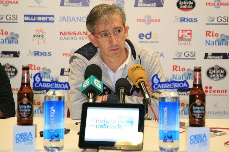Moncho Fernández, entrenador del Obradoiro, en la rueda de prensa previa al partido contra el Joventut