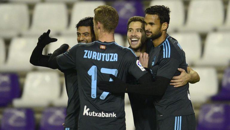 Los jugadores de la Real celebran el gol de Iñigo Martinez