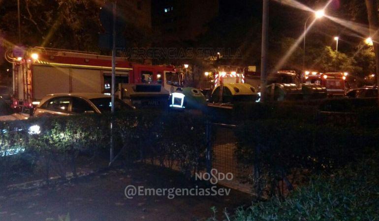 Hasta cinco dotaciones de Bomberos acudieron a la calle Antonio Maura Montaner