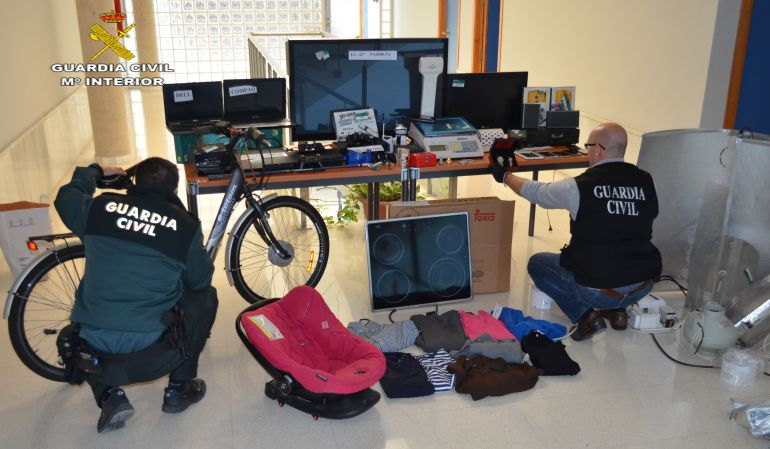 Ocho detenidos por cultivar droga en viviendas ocupadas en La Rinconada