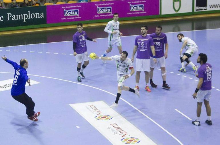 Imagen del partido de la pasada temporada en el Pabellón Anaita (29-27)