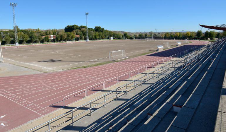 El campo ya puede acoger competiciones oficiales en la localidad