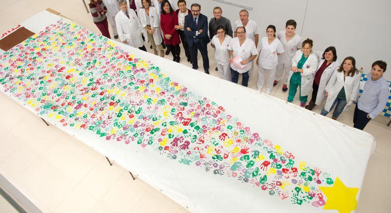 El mural tiene 10 metros de altura y ya luce en la fachada del Hospital Nacional de Parapléjicos de Toledo