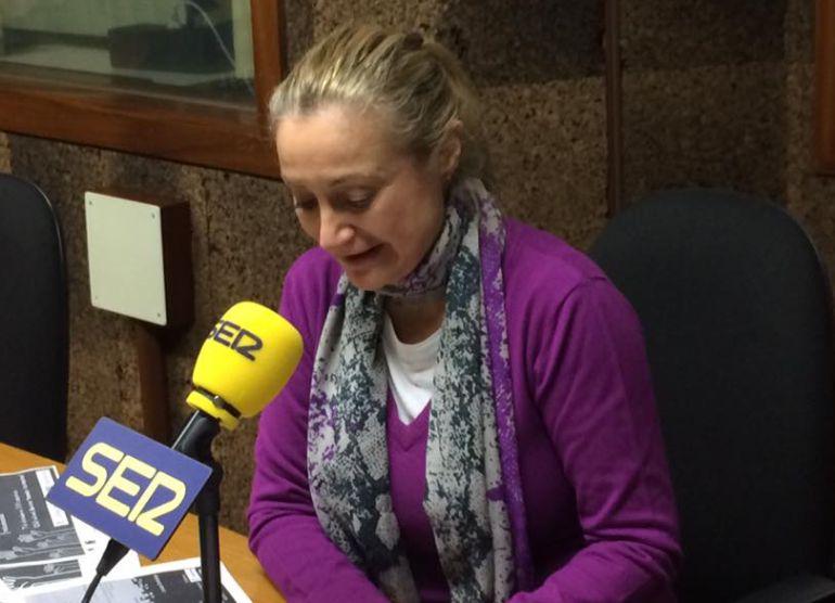 La concelleira durante su visita a Radio Ourense