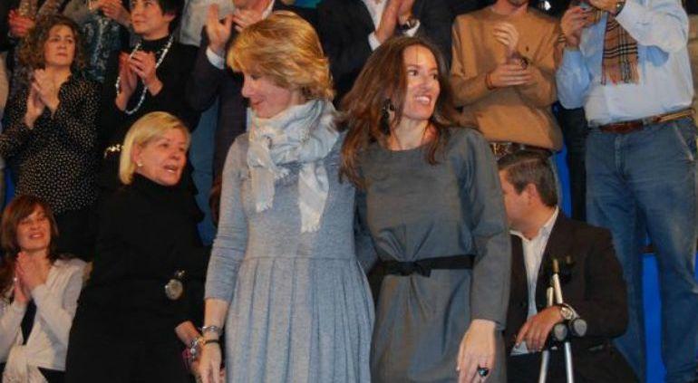 Olga Fernández junto a Esperanza Aguirre