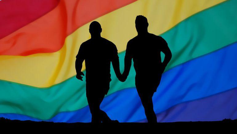 Condenado a 4 años de internamiento el menor que apedreó a un gay en Sitges