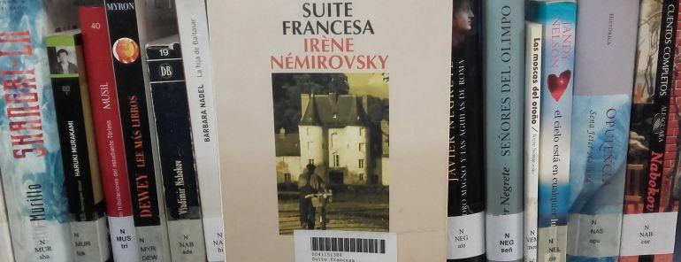 El libro 'Suite francesa' está en la sección de préstamo de las bibliotecas municipales.