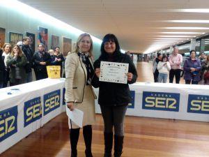 Yolanda Carrión recibe su premio