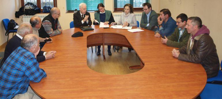 Reunión con los nueve alcaldes de la Zoina Básica de Salud de Cervera de Pisuerga (Palencia)