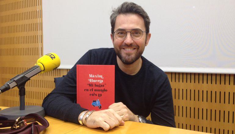 """Màxim Huerta nos habla de su libro """"Mi lugar en el mundo eres tú"""" en Hoy por Hoy Locos por Valencia"""
