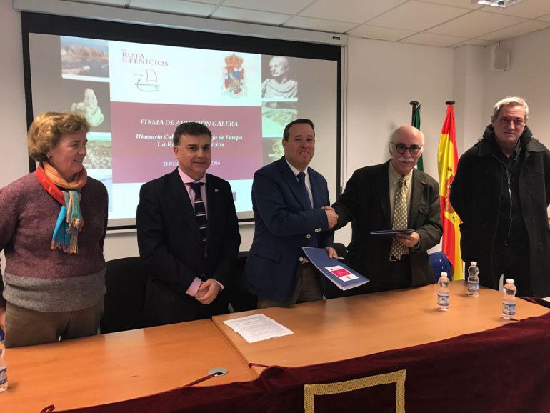 La localidad de Galera (Granada) se suma a la Ruta de los Fenicios con la asistencia del nuevo subdelegado del Gobierno, Francisco Fuentes (segundo por la izquierda)