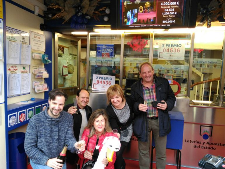 El 04536 segundo premio de la loter a cae en tres for Administradores de fincas vitoria