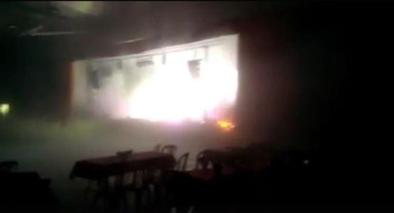 Una bengala hauria originat el foc a l 39 escenari del - El tiempo les borges blanques ...