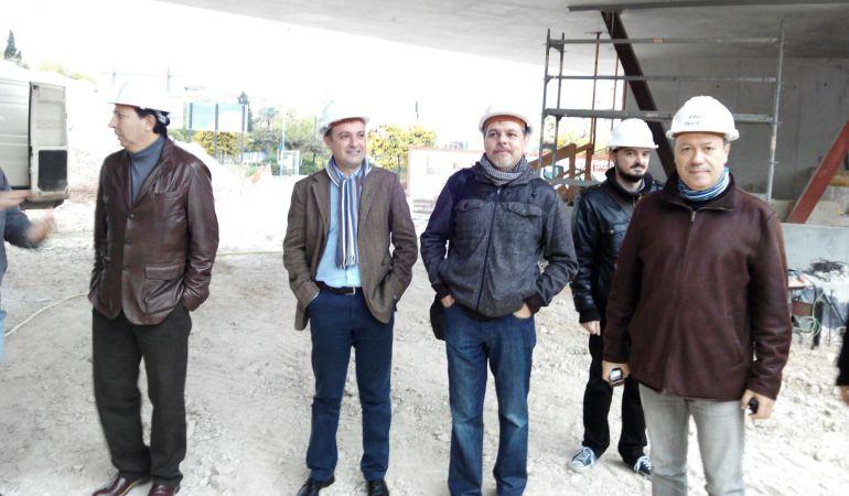 Natxo Bellido y Víctor Domínguez (en el centro) en una visita a las obras del Observatorio de Medio Ambiente