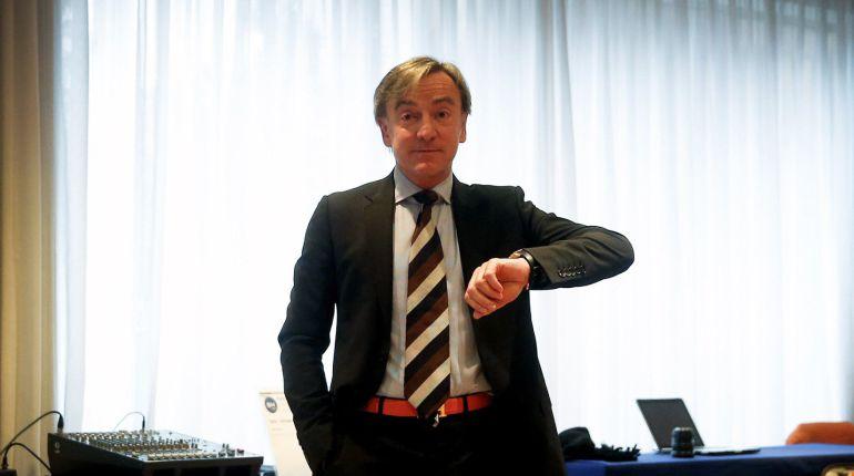 """El ex director deportivo del Valencia CF, Jesús Garcia Pitarch, durante la rueda de prensa en la que explica su dimisión """"irrevocable"""" del pasado sábado."""