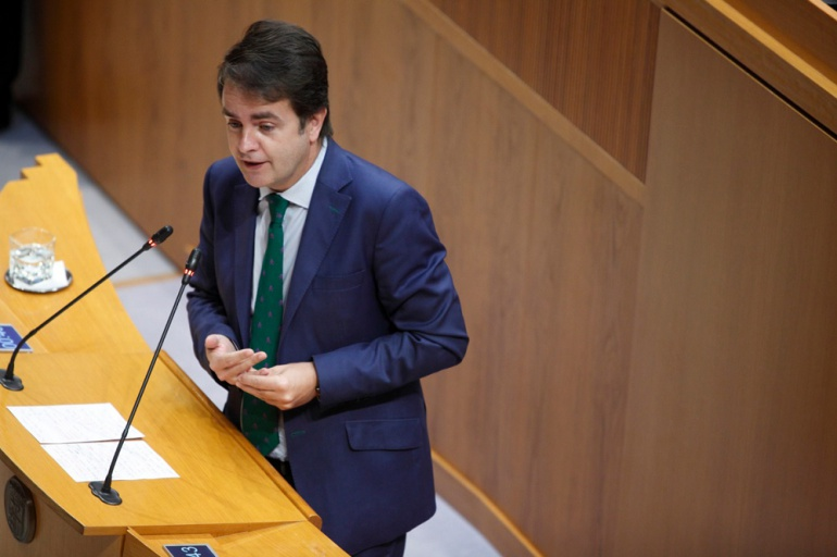 Roberto Bermúdez de Castro cuando era diputado por el Partido Popular en las Cortes de Aragón