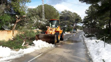 Trabajos de limpieza de viales en Xàbia.