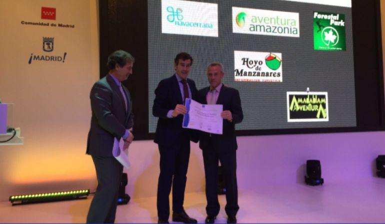 La oficina de turismo de hoyo de manzanares premiada en for Oficina de turismo de la comunidad de madrid