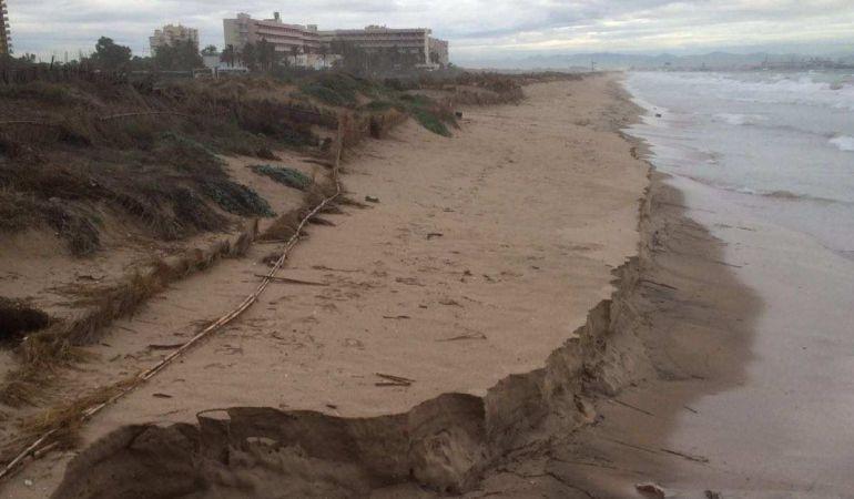 Imagen de la playa de El Saler tras el último temporal