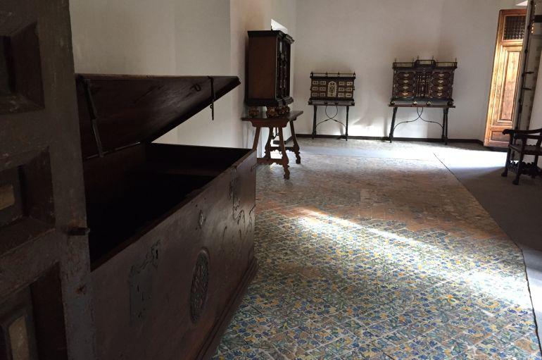 Vuelven los muebles al palacio de guevara radio murcia for Muebles de oficina lorca