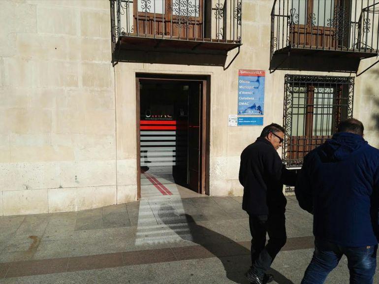Ciudadanos pide una tarjeta nica para todos los servicios for Oficina de empleo elche