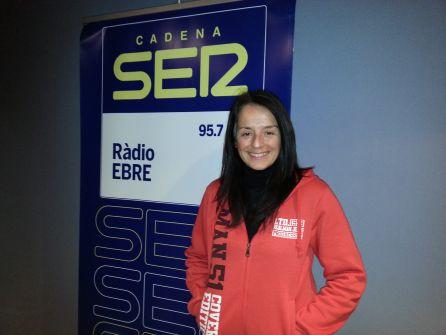 Montse Castellà, als estudis de Ràdio Ebre-Cadena SER