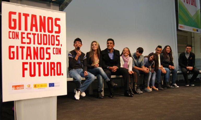 Jovenes estudiantes gitanos