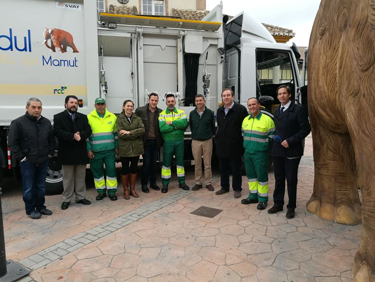 Nuevos camiones de basura en Padul.