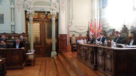 El pleno sobre el soterramiento termina con bronca y con posible comisión de investigación