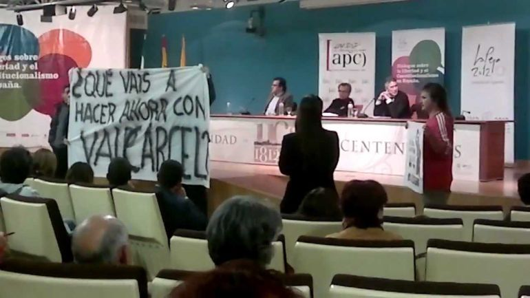 Protesta de Valcárcel Recuperado durante la conferencia del juez Grande-Marlaska