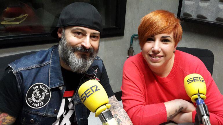 Javier García, de Aratattoo, y Estibaliz Blanco de AFESD