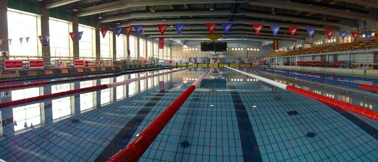 Reabre la piscina ol mpica del mundial 86 radio madrid for Piscina 50 metros pontevedra