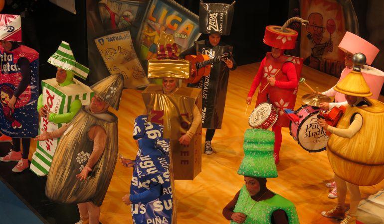 Carnaval c diz los primeros cuartos elevan la batalla for Cuartos de final carnaval 2017