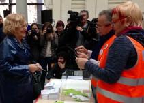 Carmena llama a los madrileños a votar por dónde debe ir la ciudad