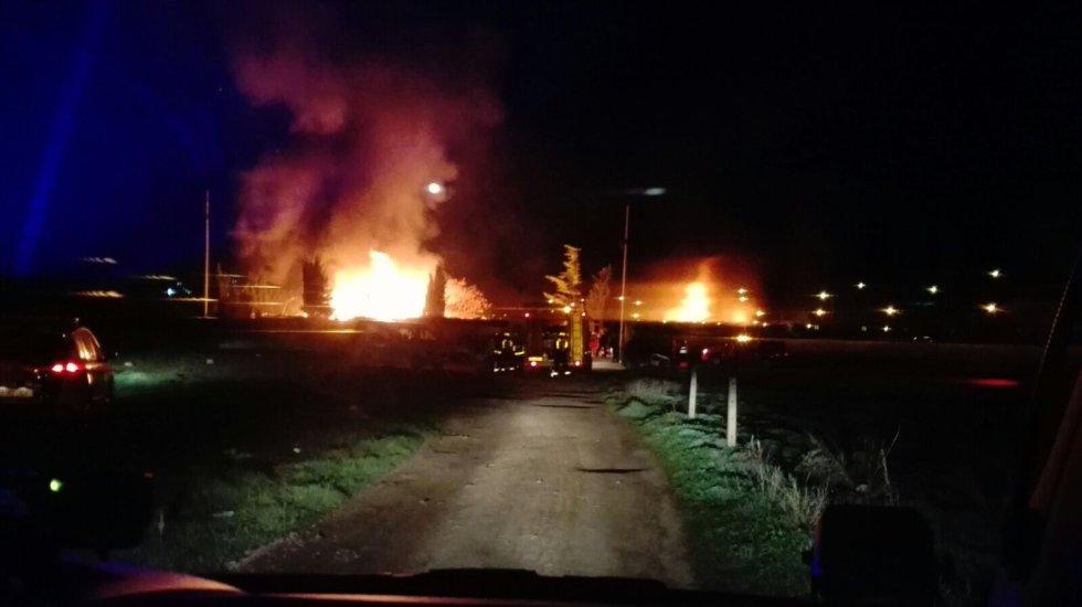 Im genes del incendio en el asentamiento de chabolas for Jardin botanico albacete