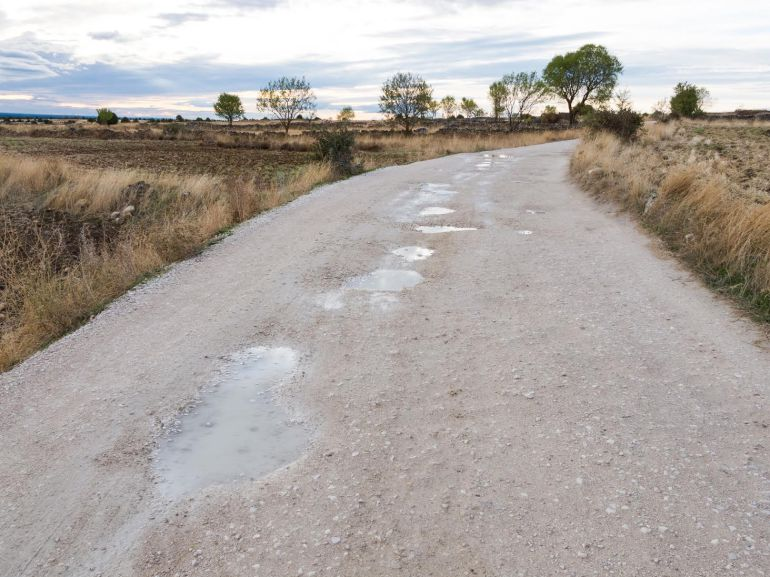 Camino de entrada a las Hoces del Duratón des de Villaseca.