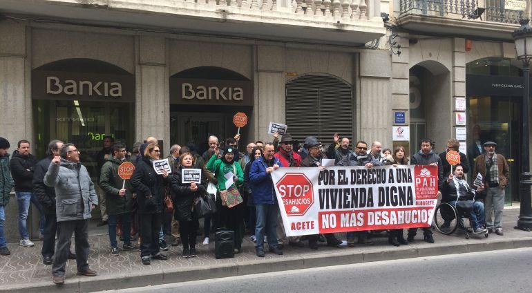 Protesta este jueves ante una entidad bancaria