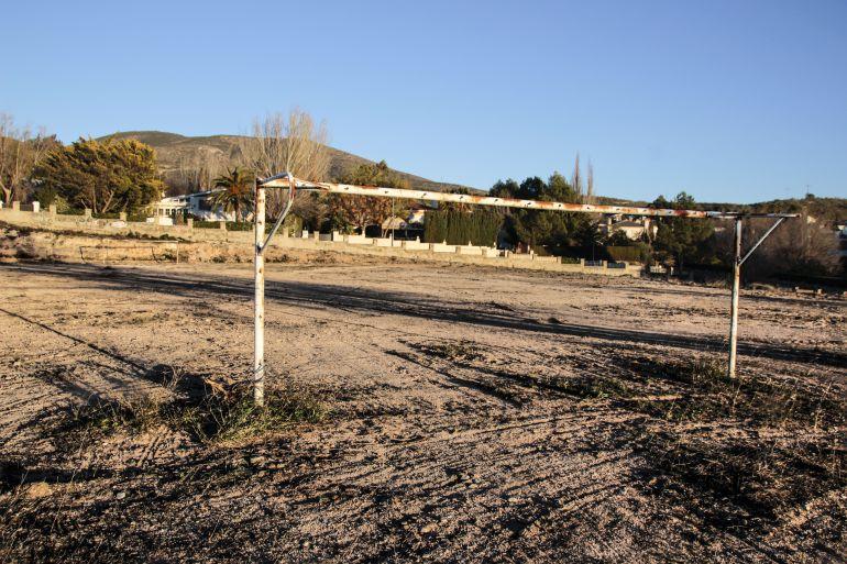 Campo de fútbol en la Loma Badá de Petrer