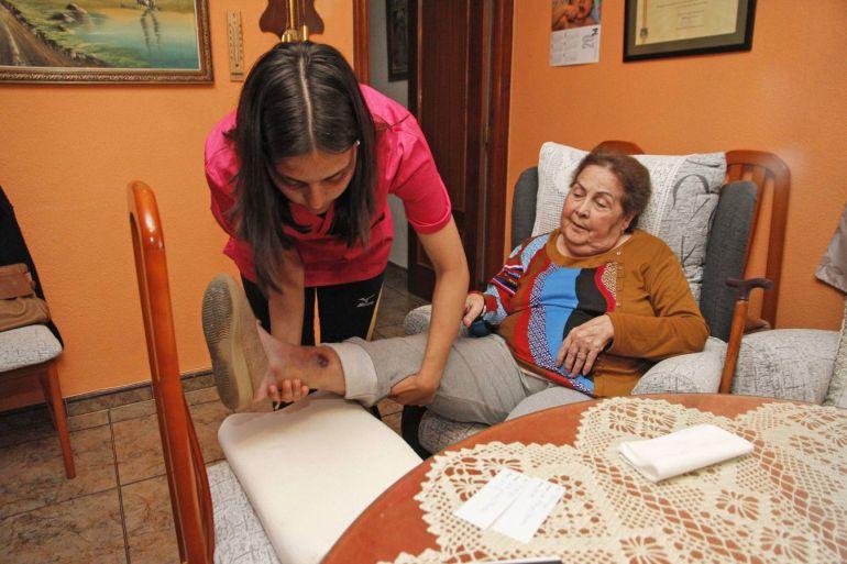 Foto de archivo del servicio de ayuda a domicilio