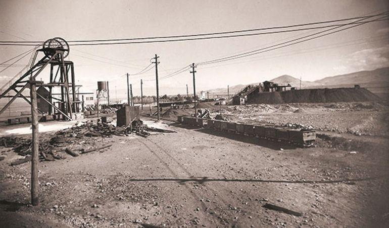 Foto antigua de la explotación de las Minas de Alquife (Granada)