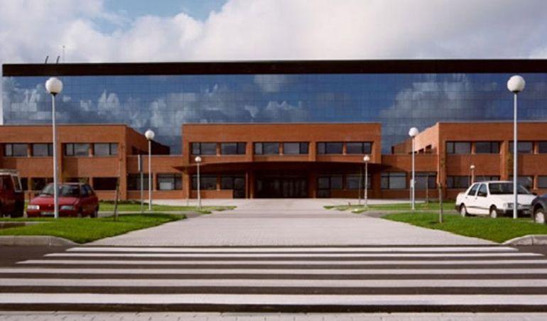 Fachada principal del Hospital Sierrallana.
