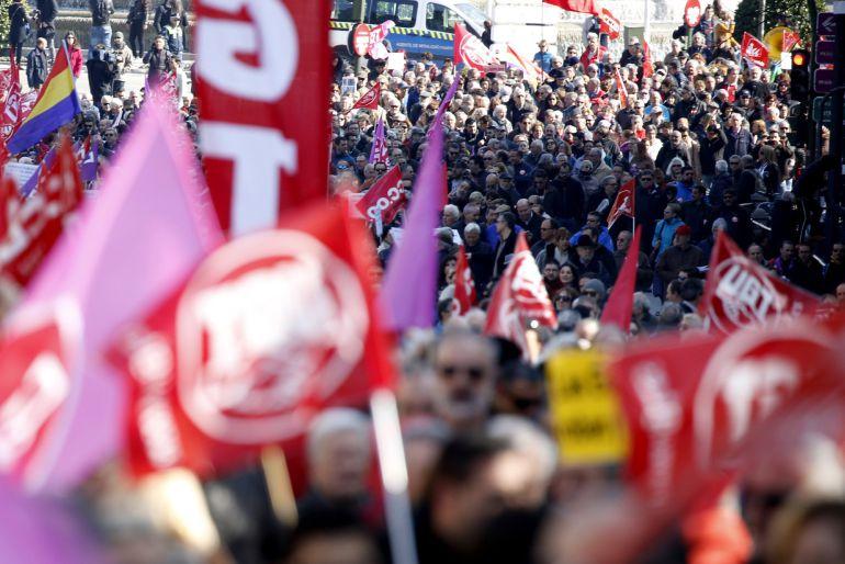 Imagen de la manifestación convocada por CCOO y UGT contra la precarización laboral