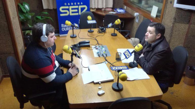 Francisco Fraga en los estudios de Radio Ourense