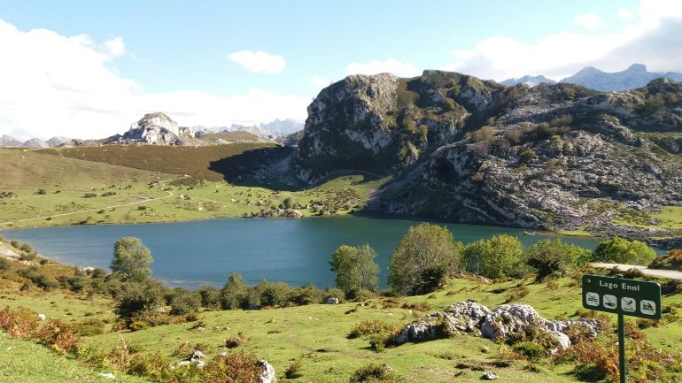 Imagen del Lago Enol, en el parque nacional de Picos de Europa
